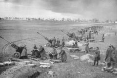 sovetskaya-artilleriya-na-podstupah-k-berlinu-aprel-1945-goda.-vikipediya